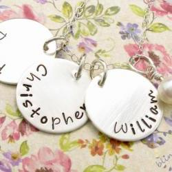 Mommy Necklace - Childrens Name Necklace - Personalized jewelry for moms - Necklace for moms
